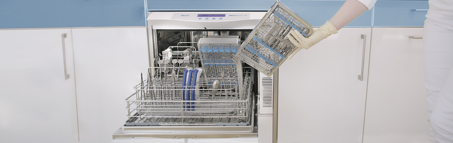 Loading washer-disinfector with MELAstore-Trays