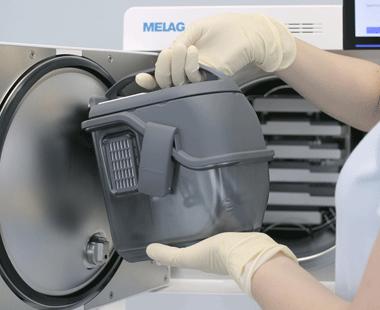 Über das Dosierverfahren iDOS wird jedem Instrument in der Carebox punktgenau die benötigte Ölmenge zugeführt