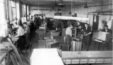 Production hall of MELAG in 1953