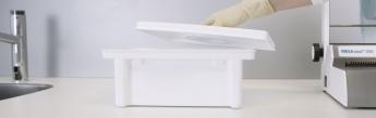 Frontansicht Instrumentenwanne für MELAdes 800 Instrumenten-Desinfektion