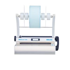 Schrägansicht Siegelgerät MELAseal 200 mit Rollenhalter und 1 Folienrolle