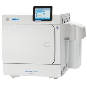 Schrägansicht Autoklav Premium-Klasse Vacuklav 40 B+ mit Wasser-Aufbereitungs-Anlage MELAdem 40