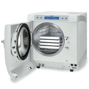 Dampfsterilisator Euroklav 29 VS+ mit geöffneter Tür