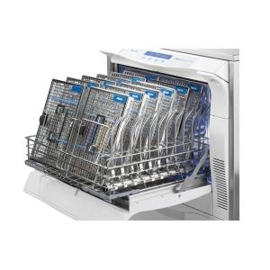 Thermodesinfektor / RDG MELAtherm 10 offen und beladen mit Waschtrays